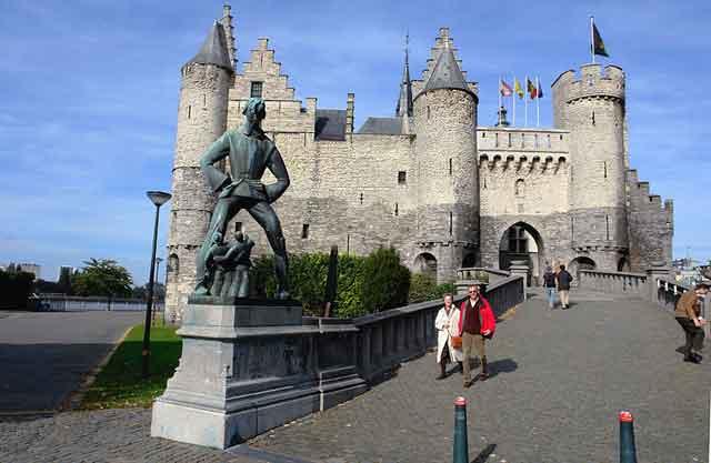 Замок Steen в Антверпене. XIII-XVI века