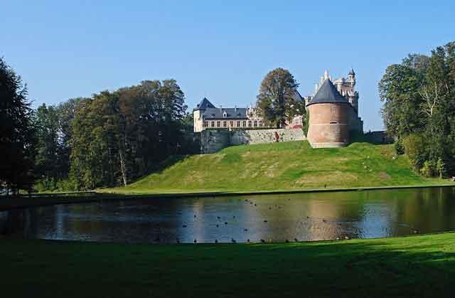 Замок Gaasbek во Фландрии, XIII-XIX века