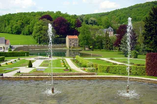 Парк замка в Annevoie.