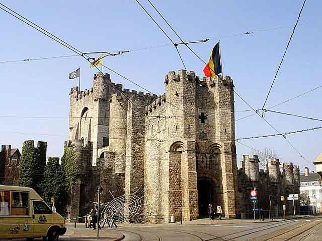 Замок Gravensteen в Генте. XII век